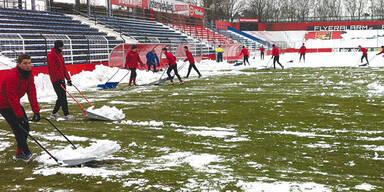 Fußball Schnee