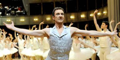 Opernball 2011- Ballett-Chef Manuel Legris