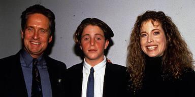 Michael, Cameron & Diandra DOUGLAS