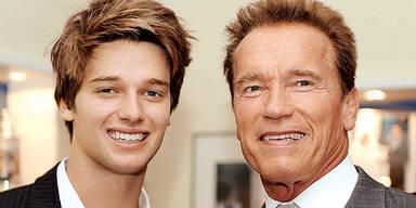 Arnold Schwarzenegger (M.), sein Sohn Patrick Arnold Shriver