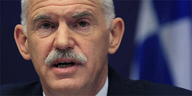 Papandreou tritt zurück