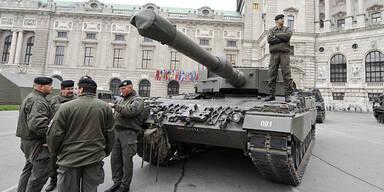 Bundesheer Heldenplatz Panzer