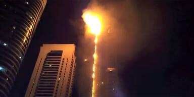 Flammendes Inferno: Hochhaus ausgebrannt