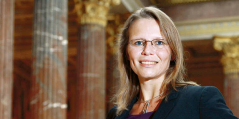 Beatrix Karl: Aus für 73 Bezirksgerichte