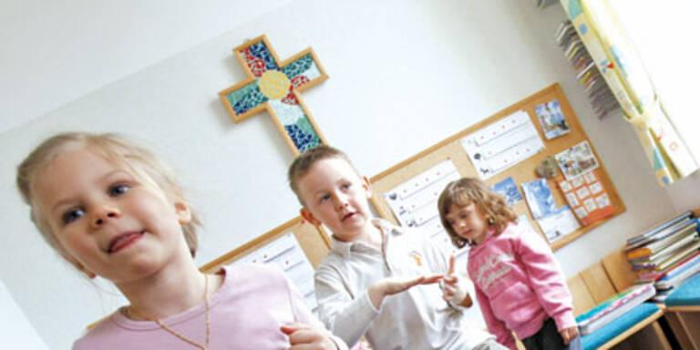 Kreuz bleibt in Kindergärten