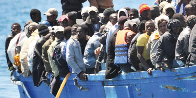 Rund 2.000 Flüchtlinge auf Lampedusa