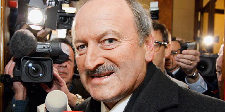 Hubert Gorbach schweigt über Geld