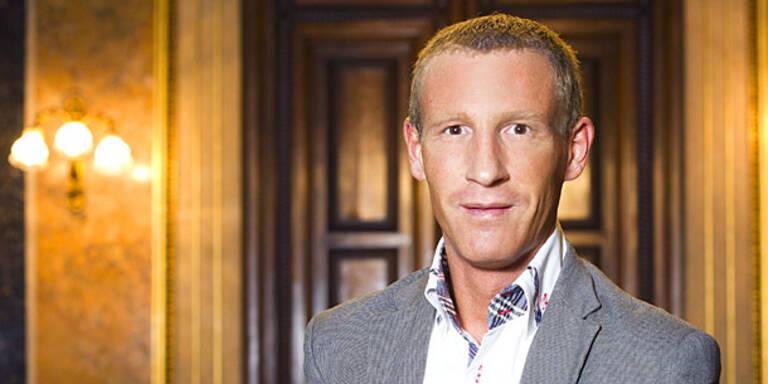 Petzner: Wahlkampf- Berater für Stronach?
