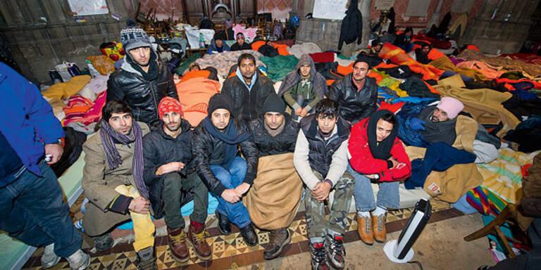 """Asylwerber: """"Darum hungern wir in Kirche"""""""