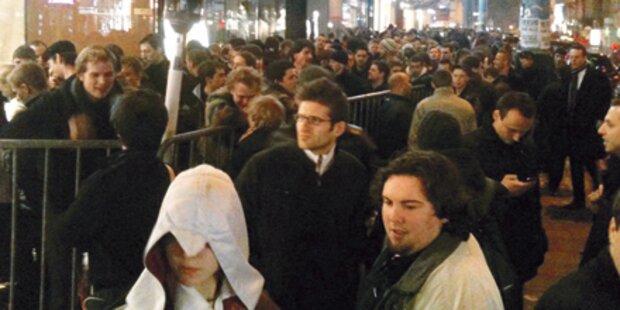 2.000 Fans standen in der Nacht Schlange