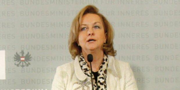 Wehrpflicht: Fekter schießt gegen SPÖ