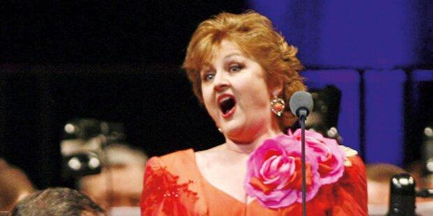 Blumenregen für die Opern-Primadonna