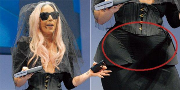 Lady Gaga zeigt sich mit Bäuchlein