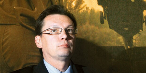Darabos feuert Generalstabschef Entacher
