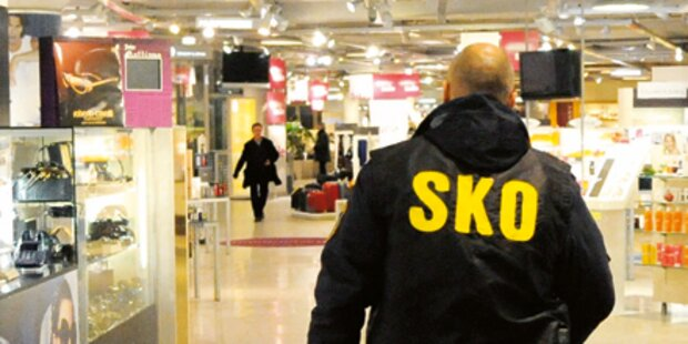Bomben-Alarm: Steffl evakuiert
