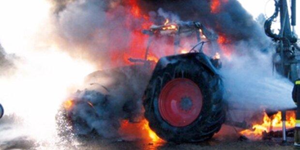 Teurer Traktor wurde Raub der Flammen