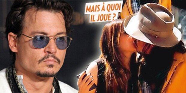 Johnny Depp küsst fremd