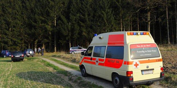 75-Jährige stürzte mit Pkw 40 Meter ab