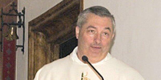 Pfarrer outet Kirchen-Austritte