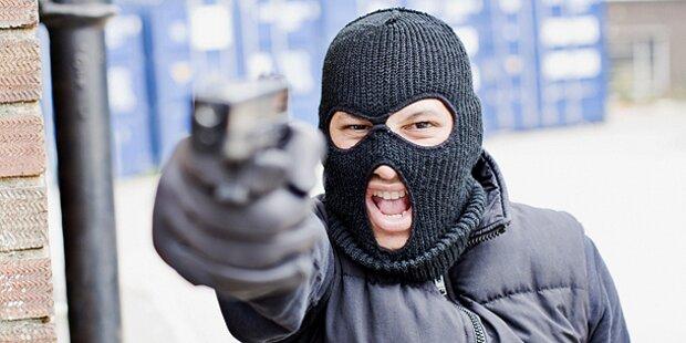 Laura (13) mit Pistole bedroht