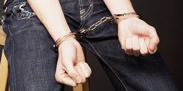 Fünf Rapid-Rowdys verhaftet