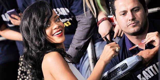 Sexy Rihanna zeigt alles
