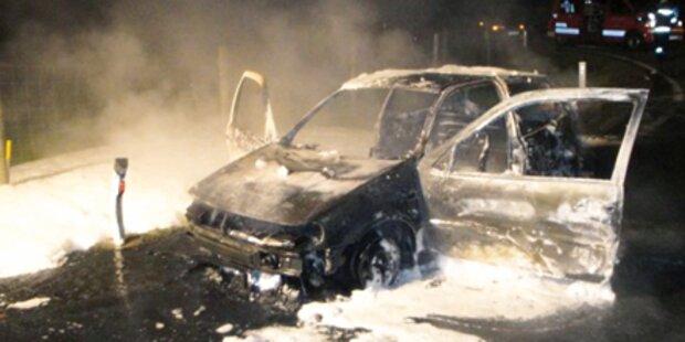 'Kurzer' lässt Auto in Flammen aufgehen
