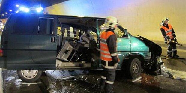 Tödlicher Crash in Dalaaser Tunnel