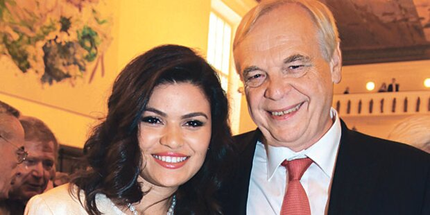 Salzburg erregt: Pereiras Freundin zu heiß?