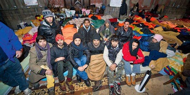 Flüchtlinge ziehen am Montag in die Riedenburgkaserne ein