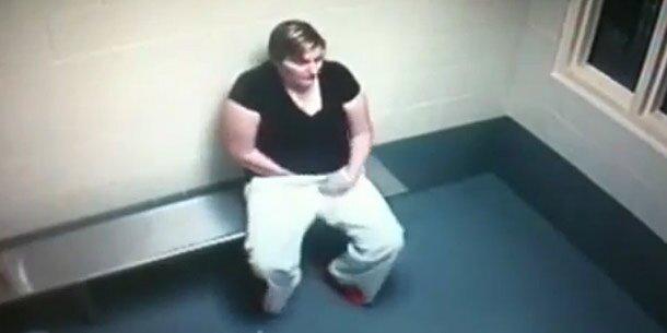 Gefangene versteckt Drogen in Vagina