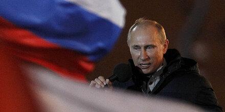 Massive Betrugsvorwürfe gegen Wahlsieger Putin
