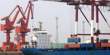 Exporte brachen im April um 28 Prozent ein <br/> - Importe: -21 Prozent