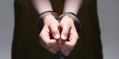 Vier 14-jährige Mädchen auf Einbruchstour