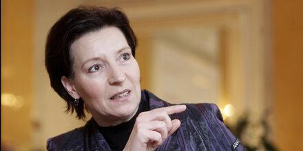Ministerin Heinisch-Hosek schlägt ein 4-tägiges Besuchsrecht vor.