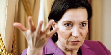Frauenministerin Heinisch-Hosek