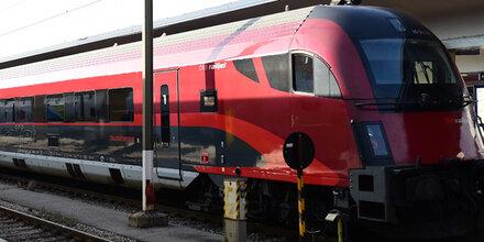 """Caterer """"Henry am Zug"""" bleibt bis 2018 im Zug"""