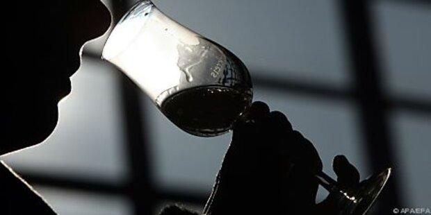 102 Tote durch vergifteten Alkohol