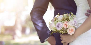 Polizei sprengt Hochzeitsfeier: 50 Gäste angezeigt