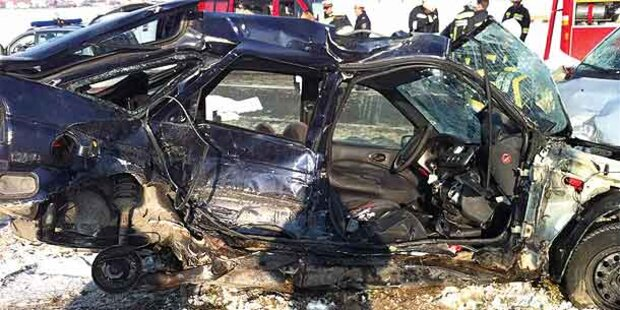 Zwei Männer bei Horror-Crash getötet