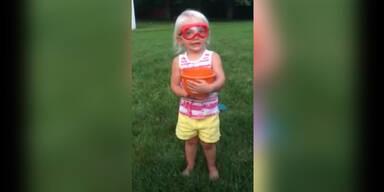 2 jährige akzeptiert Ice-Bucket-Challenge