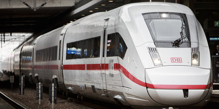 ICE Strecke bei Nürnberg manipuliert   Ausdrucken   Österreich