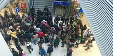 Flüchtlinge am Salzburger Hauptbahnhof