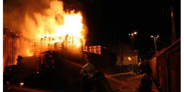 Wieder Flammen am Bahnhof St. Pölten