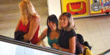 Mörtel mit zwei Schwestern auf Reisen