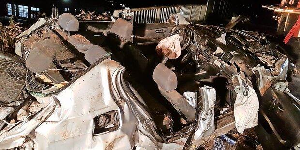 Mit 150 km/h in Kurve gerast: 2 Tote