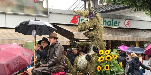 Weltweit größter Heuart-Umzug fand in Abtenau statt