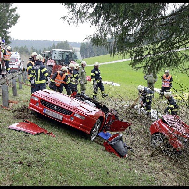 Zwei Tote Bei Horror Crash In Fornach