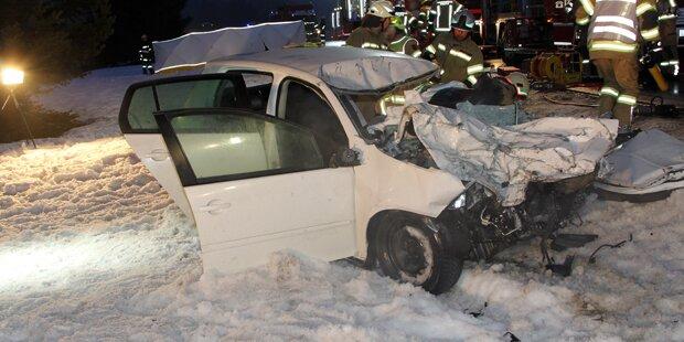 Frontalcrash fordert zwei Tote in Tirol
