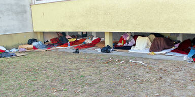 Caritas will das Asyllager übernehmen